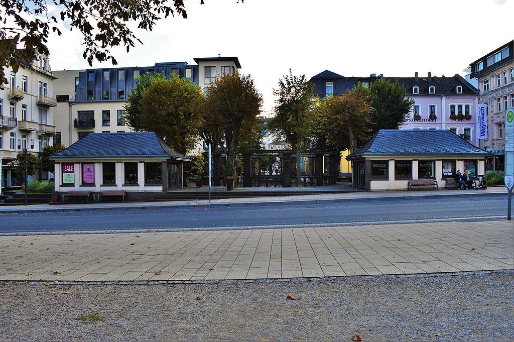 Aliceplatz Bad Nauheim mit Schuckhardt-Brunnen