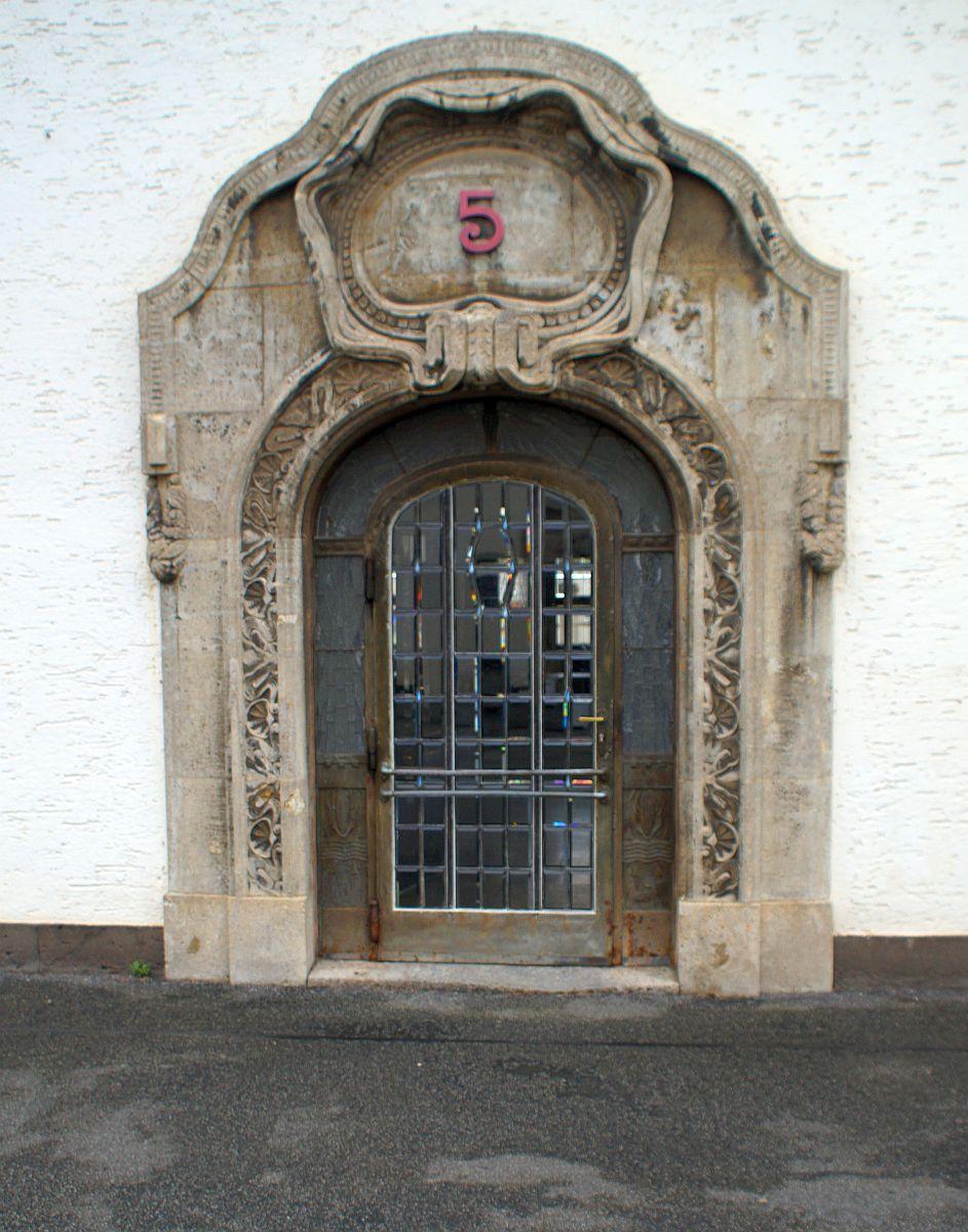 Eingangstür Badehaus 5 Bad Nauheim