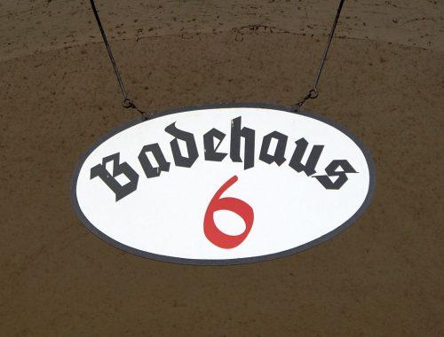 Schild Badehaus 6 Bad Nauheim
